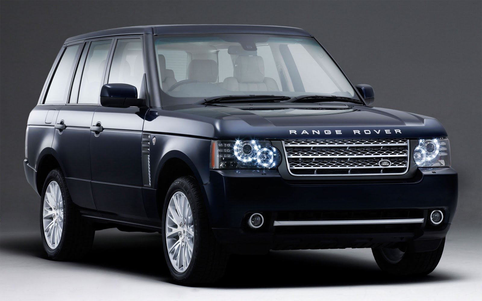 New 15 Range Rover Hd Desktop Wallpapers On This Month