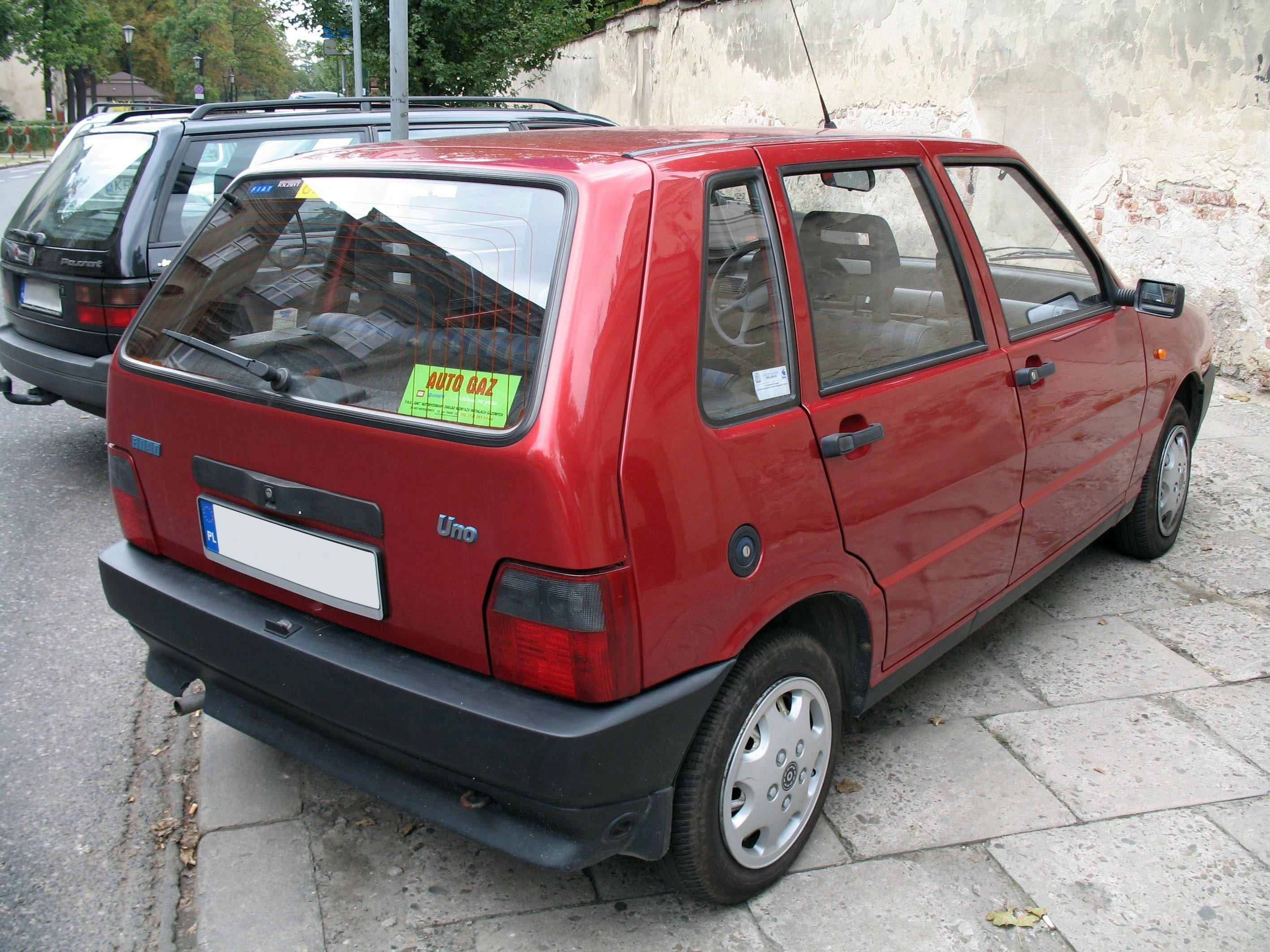 New File Fiat Uno Ii Back Jpg Wikimedia Commons On This Month