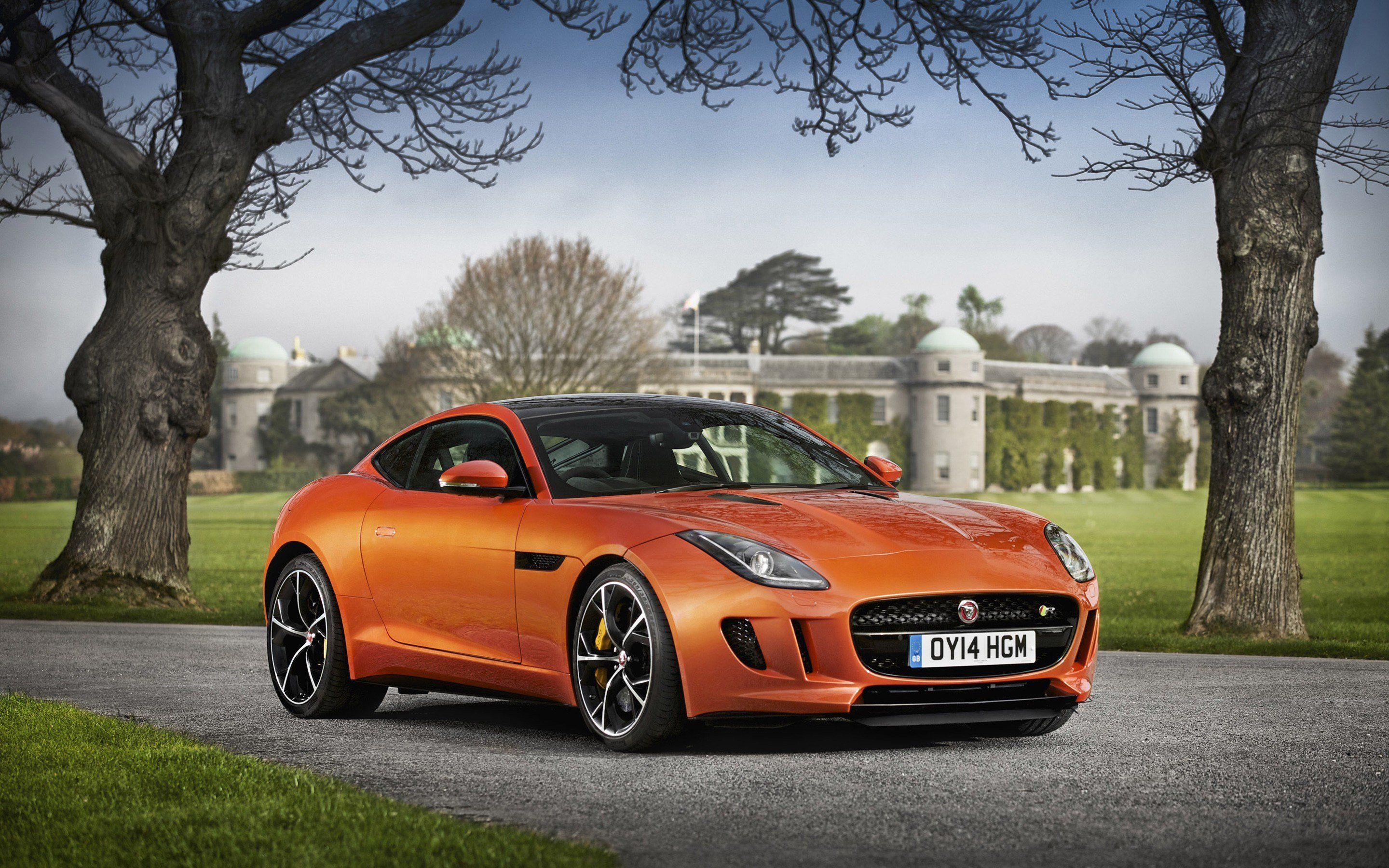 New 2014 Jaguar F Type R Coupe 7 Wallpaper Hd Car Wallpapers On This Month