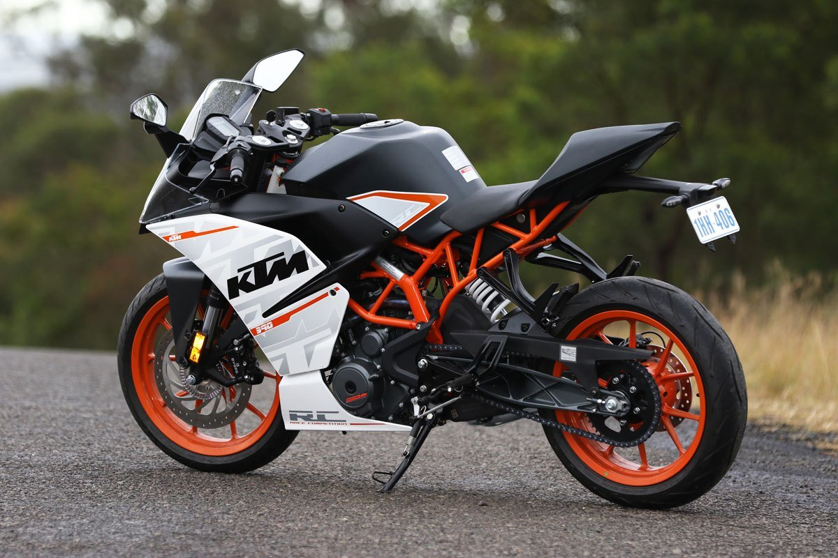 New Review 2015 Ktm Rc 390 Cycleonline Com Au On This Month