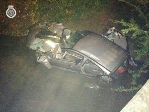 WOMAN SERIOUSLY INJURED AFTER CAR LEAVES ROAD & LANDS IN BROOK IN WARWICKSHIRE 190914