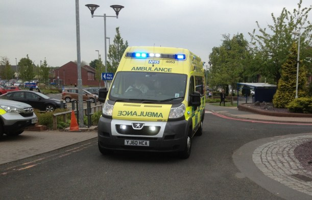 ambulance-arriving-on-blue-lights-at-walsall-manor