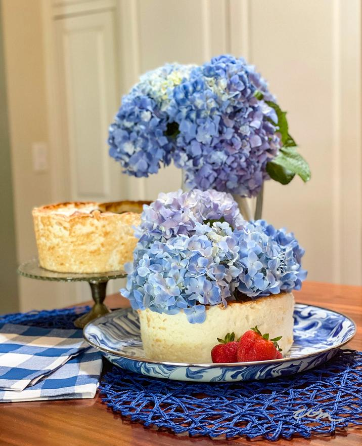 hydrangeas on cake