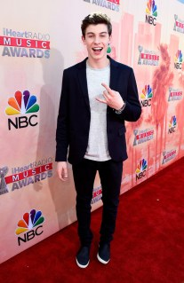 Shawn-Mendes-2015-iHeartRadio-Music-Awards