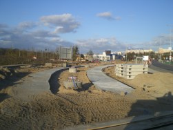 Budowa linii tramwajowej przy skrzyżowaniu ulicy Tuwima z aleją Sikorskiego i ulicą Synów Pułku (16 kwietnia 2015)
