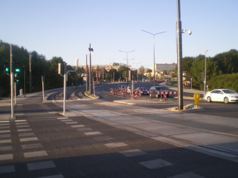 Budowa linii tramwajowej przy alei Sikorskiego (15 sierpnia 2015) - skrzyżowanie z aleją Obrońców Tobruku