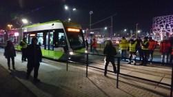 Solaris Tramino Olsztyn S111O #3001 na przystanku Galeria Warmińska podczas czwartego przejazdu próbnego (24 listopada 2015)