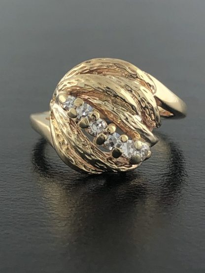 14K YELLOW GOLD AND DIAMOND RING/5.0G/ SIZE 5.25""