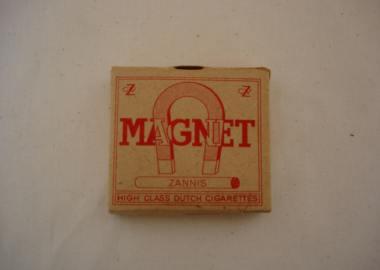 Magneet Sigaretten uit de tweede wereldoorlog