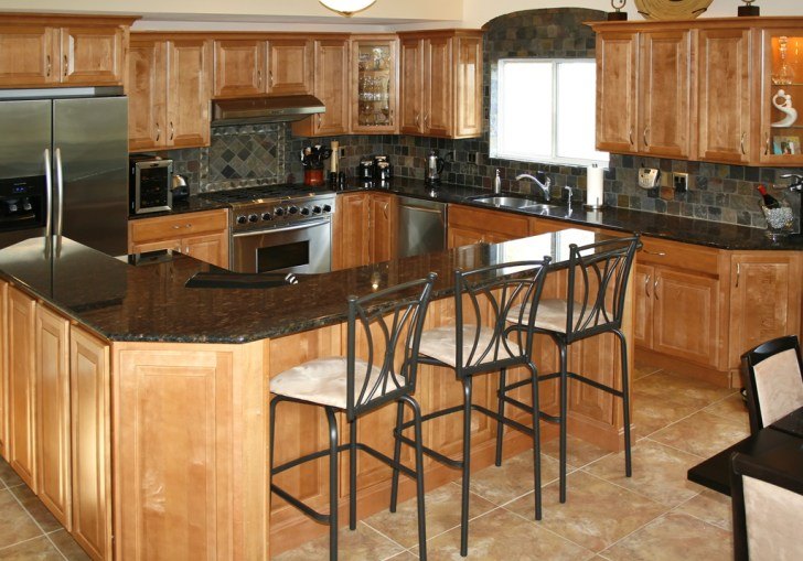 Maple Kitchen Cabinets With Black Appliances