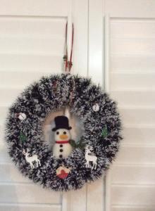 Needlefelt snowman wreath