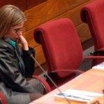 Desiree Masi gibt ihren Rücktritt für August bekannt weil sie müde ist, allein zu kämpfen