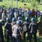 Polizisten und Campesinos leisteten sich feindliche Auseinandersetzung