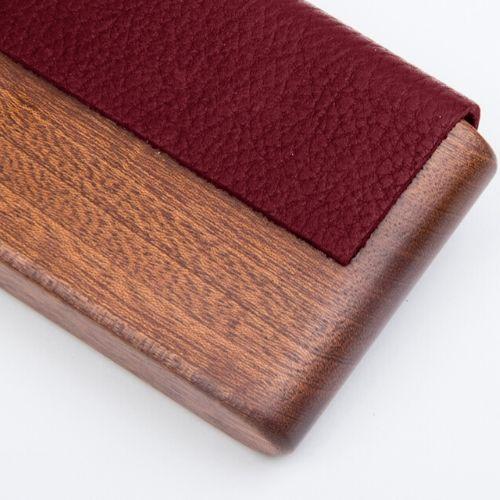The Classic : Acajou cuir bordeaux