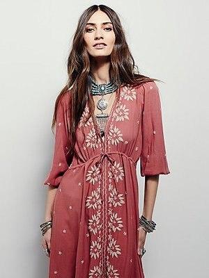Luxury Vintage Embroidery Bohemian Holiday Long Maxi Dresses 18 New Summer Women Half Sleeve V-neck Dress