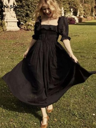 19 New Women French style 3D dot Spliced Ruffle Square Collar Maxi Long Swing Dress Black Backless Half Sleeve Dresses Vestido