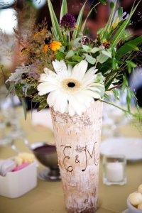 25 Cool Wood Wedding Decorations Ideas - Wohh Wedding