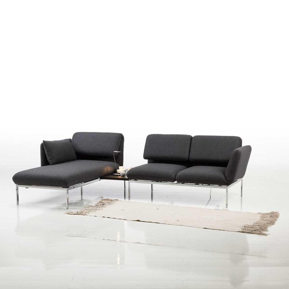 Das Sofa Roro Soft von Brühl wurde als Ergänzung zum 20-jährigen Jubiläum des Models Roro ins Leben gerufen.