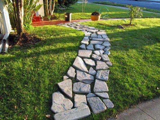 Gartenweg Anlegen Aus Pflastersteinen Kies Oder Doch Holz | Designmore,  Landschaftsbau