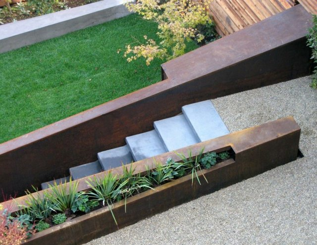 gartenmauern gestalten | designmore, Gartenarbeit ideen