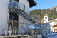 Profisorische Fluchttreppe Schule Wallgau