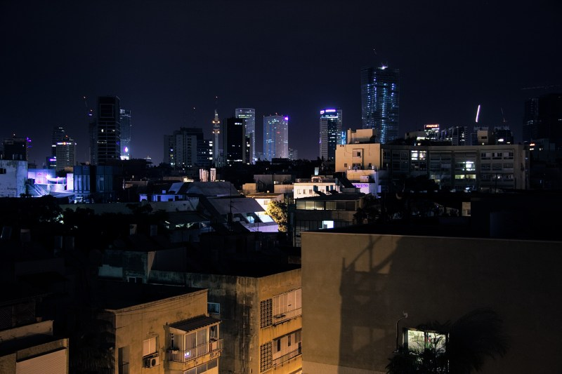Foto Skyline Tel Aviv bei Nacht