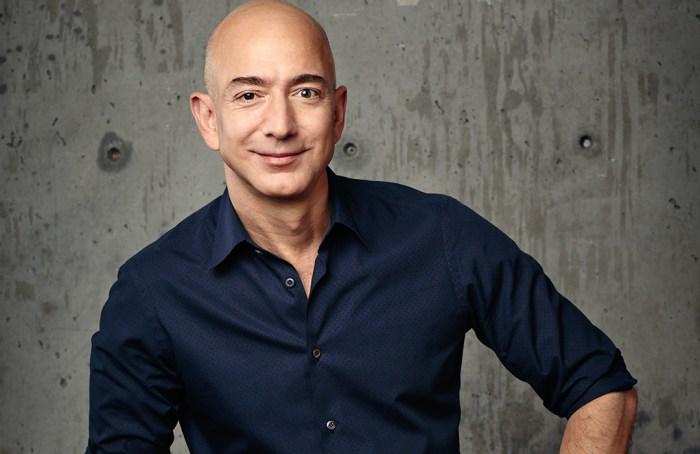 Hoy, Jeff Bezos cede su lugar de CEO de Amazon a Andy Jassy