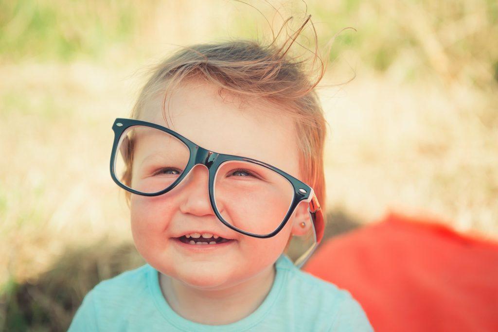 Cómo evitar que los lentes se empañen al usar cubrebocas