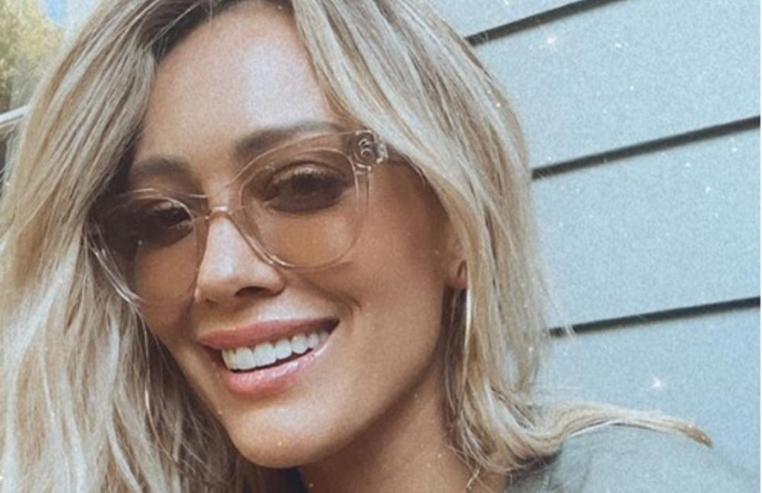 El traje de baño sostenible de Hilary Duff que todas las mujeres desean comprar