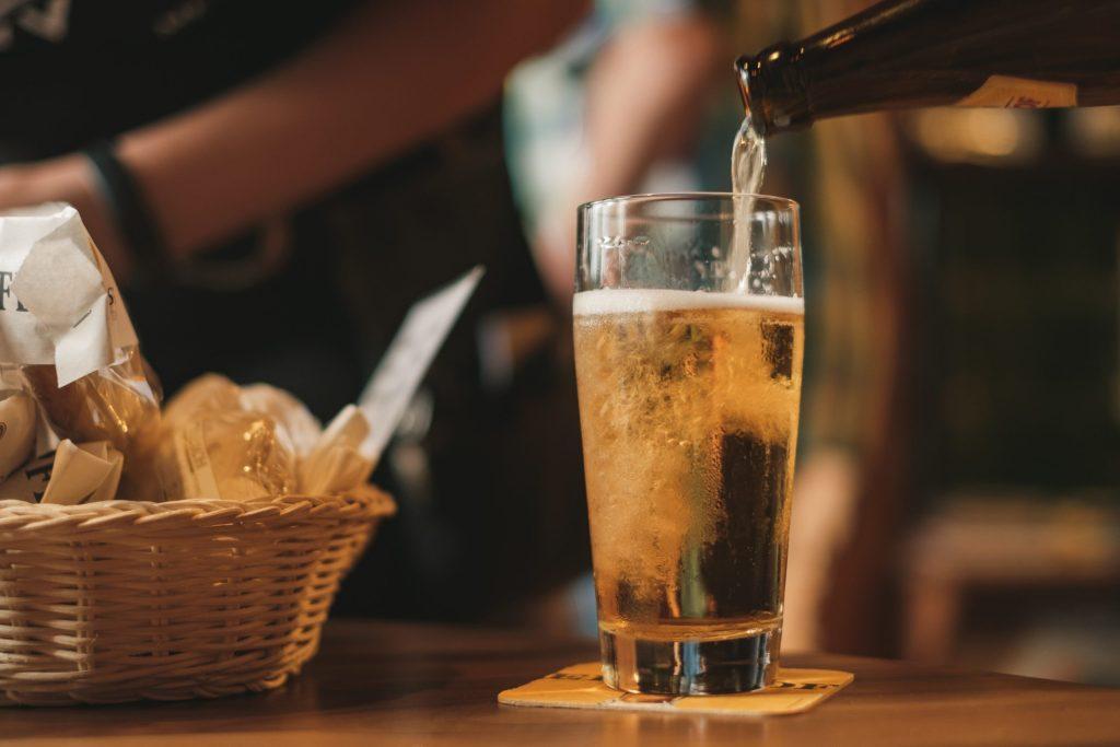 Festeja el Día Internacional de la Cerveza (incluso con cerveza sin gluten)