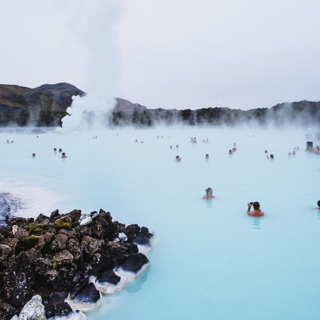 Para búsquedas relacionadas a Islandia, albercas públicas y bienestar.
