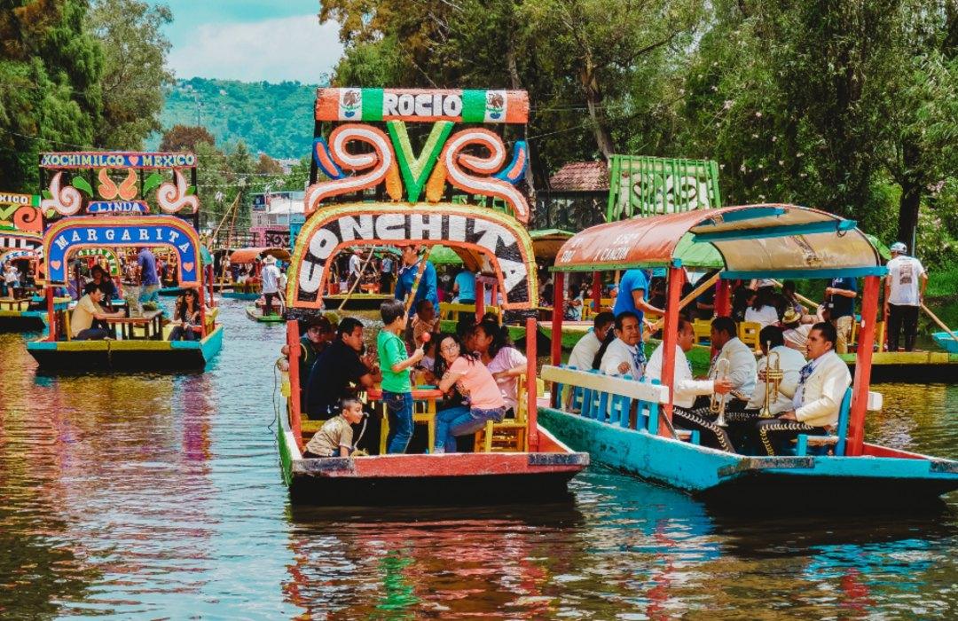¡La alegría regresó a Xochimilco! Reabren trajineras con medidas de seguridad