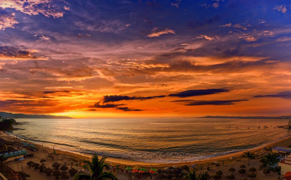 Noches al 3×2 en Puerto Vallarta para reactivar el turismo; ¿te animas?