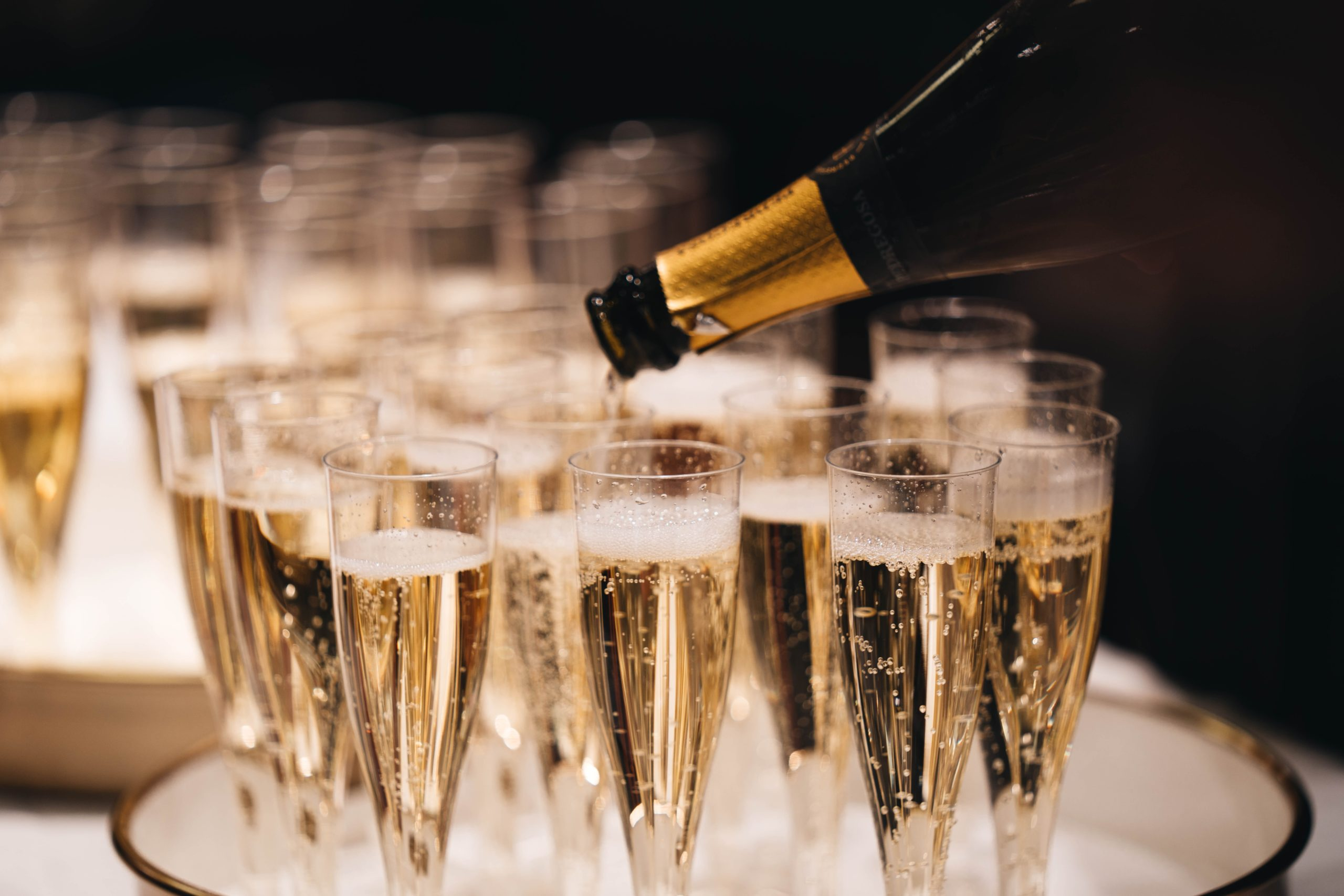 Por qué el champán es una bebida tan seductora y codiciada