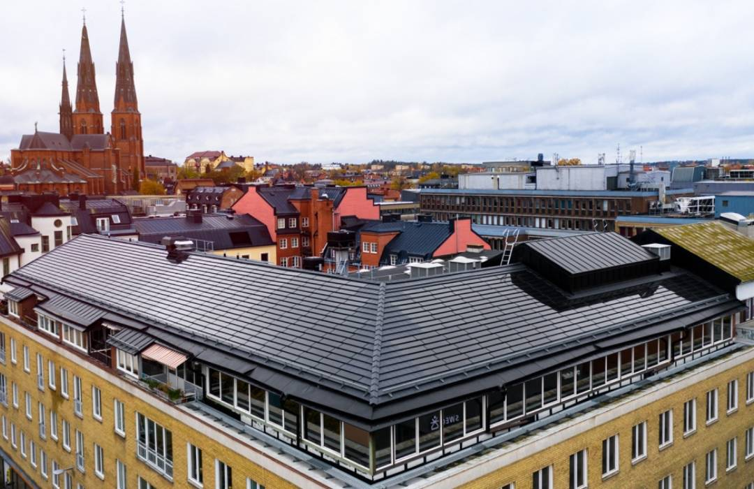 Conoce las tejas de vidrio capaces de generar energía solar inmediata