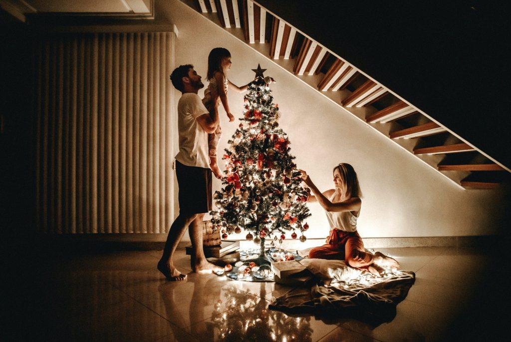 ¿Alquilar o comprar un árbol de Navidad? Te decimos los pros y los contras de las opciones