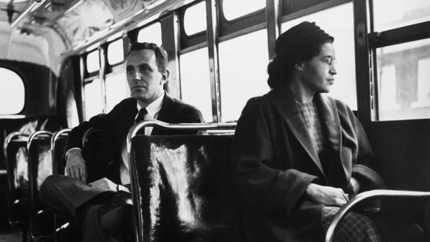Rosa Parks, la mujer que le dio un giro a la historia y un gran golpe al racismo