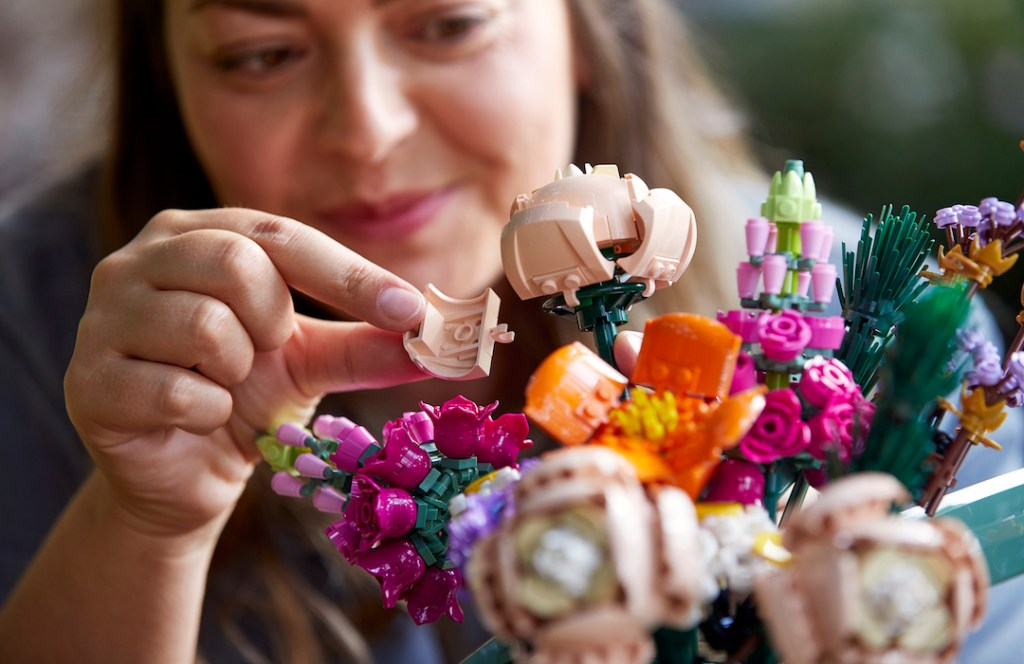 LEGO lanza edición de plantas y flores que viven por siempre