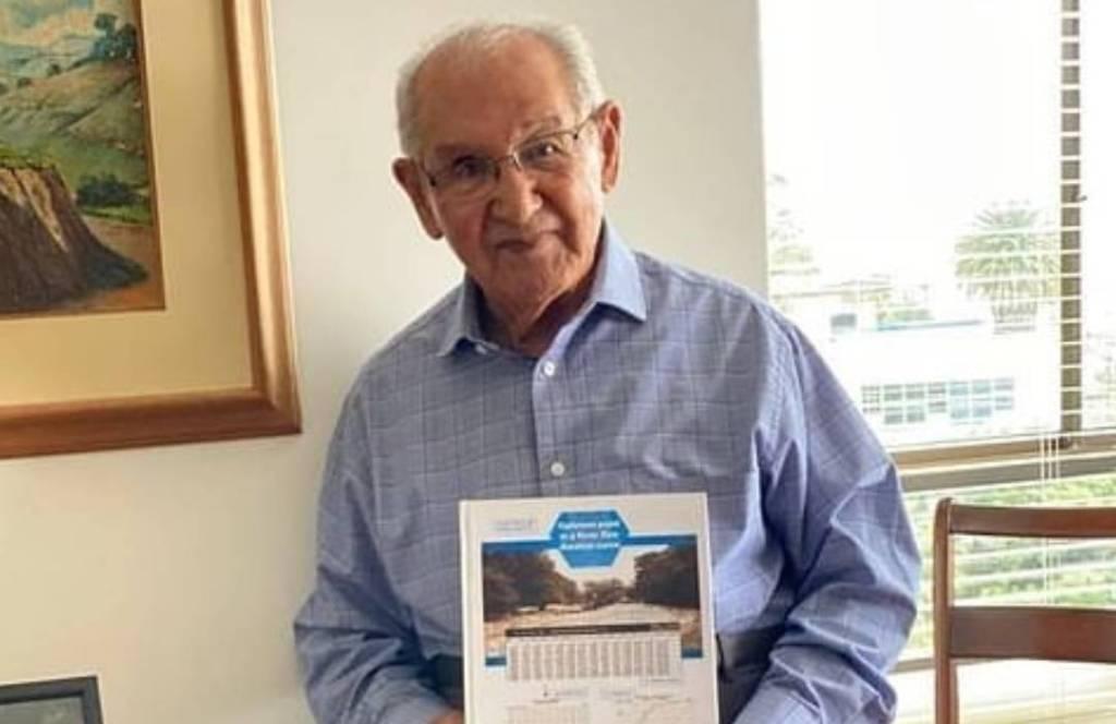 Para búsquedas de Lucio, 104 años y tesis doctoral