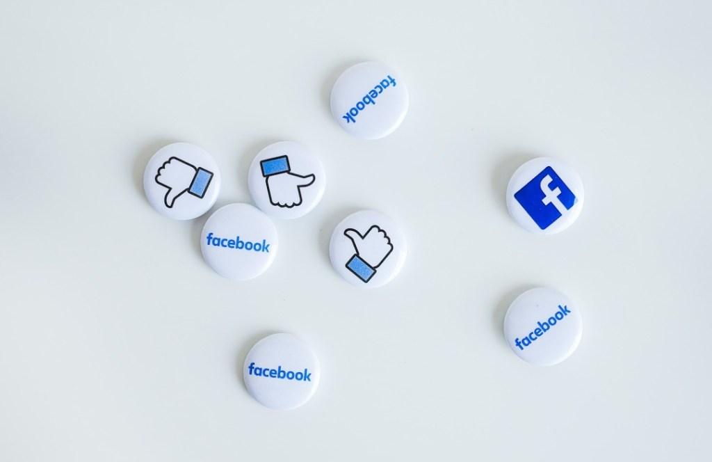 Facebook cumple 17 años y los celebramos recordando lo mejor que nos ha dado esta red social