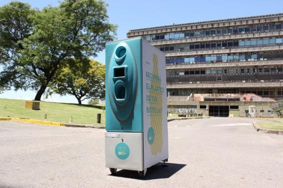 PETIT: máquina inteligente que tritura y recicla el plástico en minutos