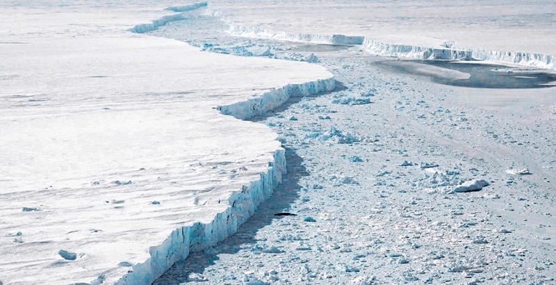 ¡Se desprende el iceberg más grande del mundo en la Antártida! Cambio climático podría no ser el culpable