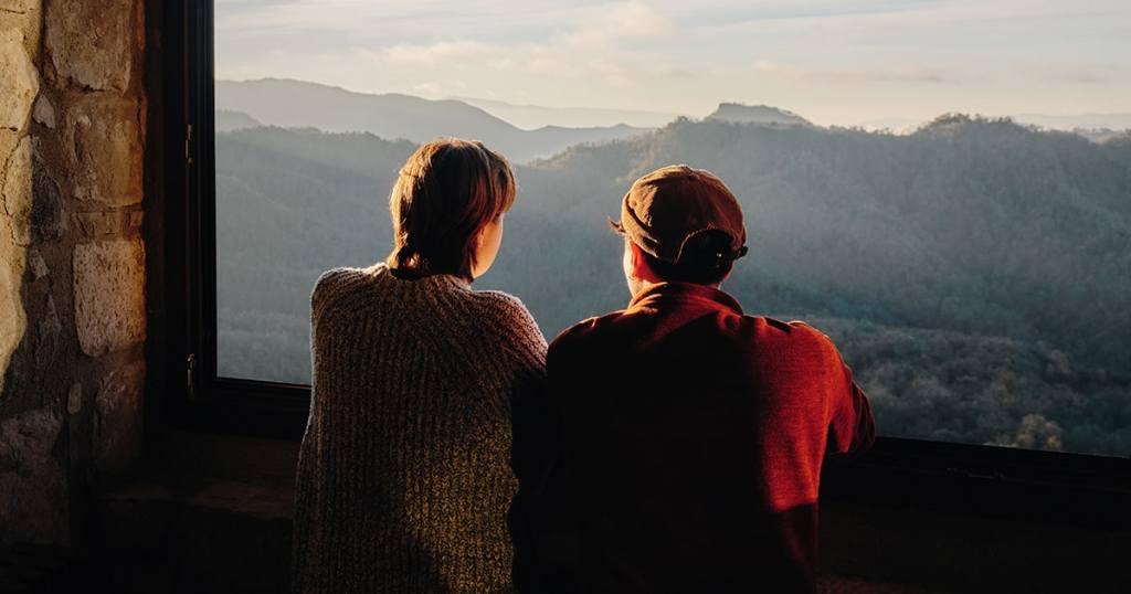 Airbnb busca a 12 personas que quieran vivir viajando durante un año
