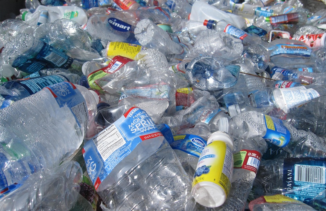 La pandemia de coronavirus ayudó a reducir la producción de plástico ¡a niveles históricos!