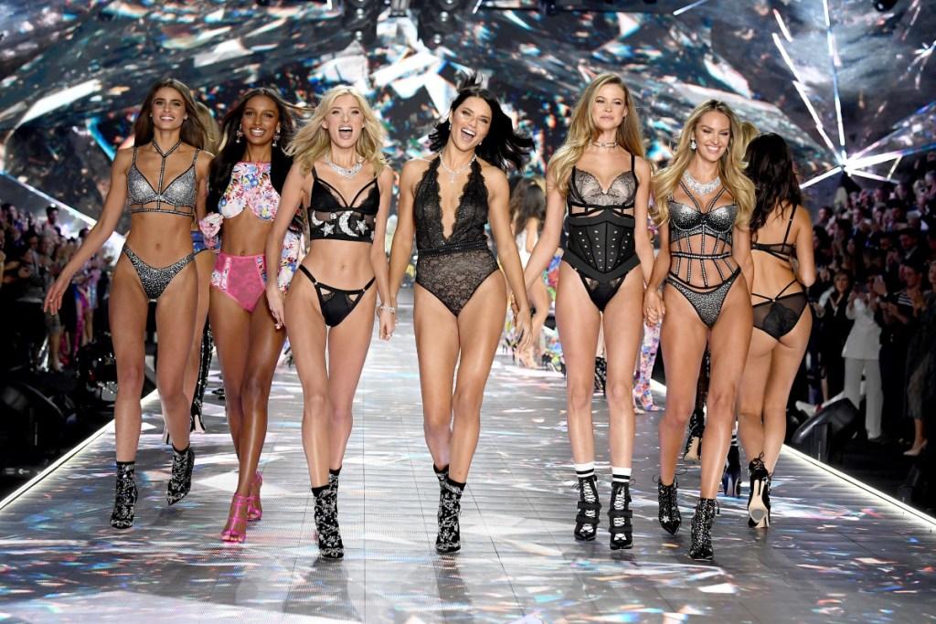 Menos ángeles, más mujeres reales: Victoria's Secret está cambiando sus estereotipos