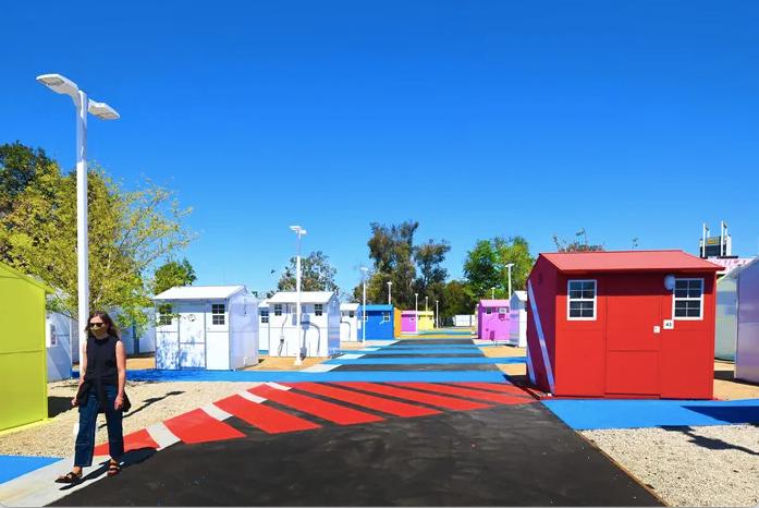En Los Ángeles, el gobierno dará 'tiny houses' a las personas sin hogar