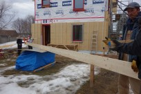 The main beam is the same length as the house