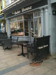 The Bake House, Cashel. With seating outside