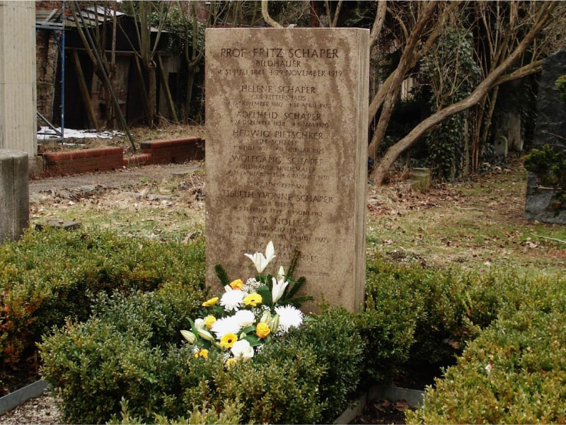 Honor Grave for the Schaper Family in Berlin, Germany