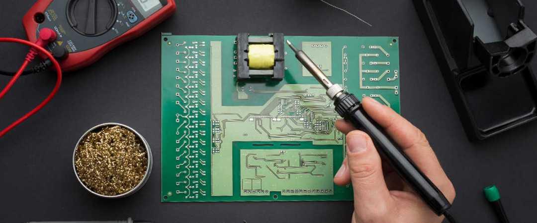 Die Elektronikindustrie entstand im 20. Jahrhundert und ist heute eine der größten globalen Branchen.